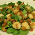 Spinach Salad W/ Pan-Seared Scallops and Warm[...]