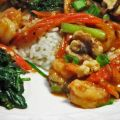 Spicy Shrimp With Spinach and Walnuts