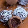 Raw Chocolate Fudge Balls – made nut free and[...]