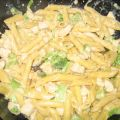 Cheesy Chicken & Broccoli Macaroni