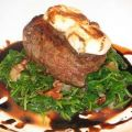 Filet Mignon With Goat Cheese and Balsamic[...]