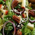 Fruit Salad with Mixed Greens and Red Wine[...]