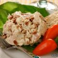 Curry Chicken Salad with Tarragon and Sliced[...]