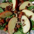 Spinach Salad With Chorizo and Apples