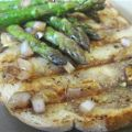 Grilled Asparagus with Roasted Garlic Toast and[...]