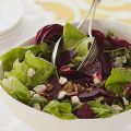 Green Salad with Roasted Beets, Goat Cheese and[...]