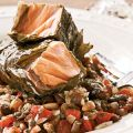 Grilled Salmon in Grape Leaves with[...]